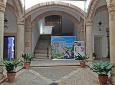 Vista del claustro renacentista del Palacio Carvajal