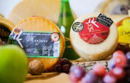 Alguno de los quesos que producen en la Quesería Doña Francisca